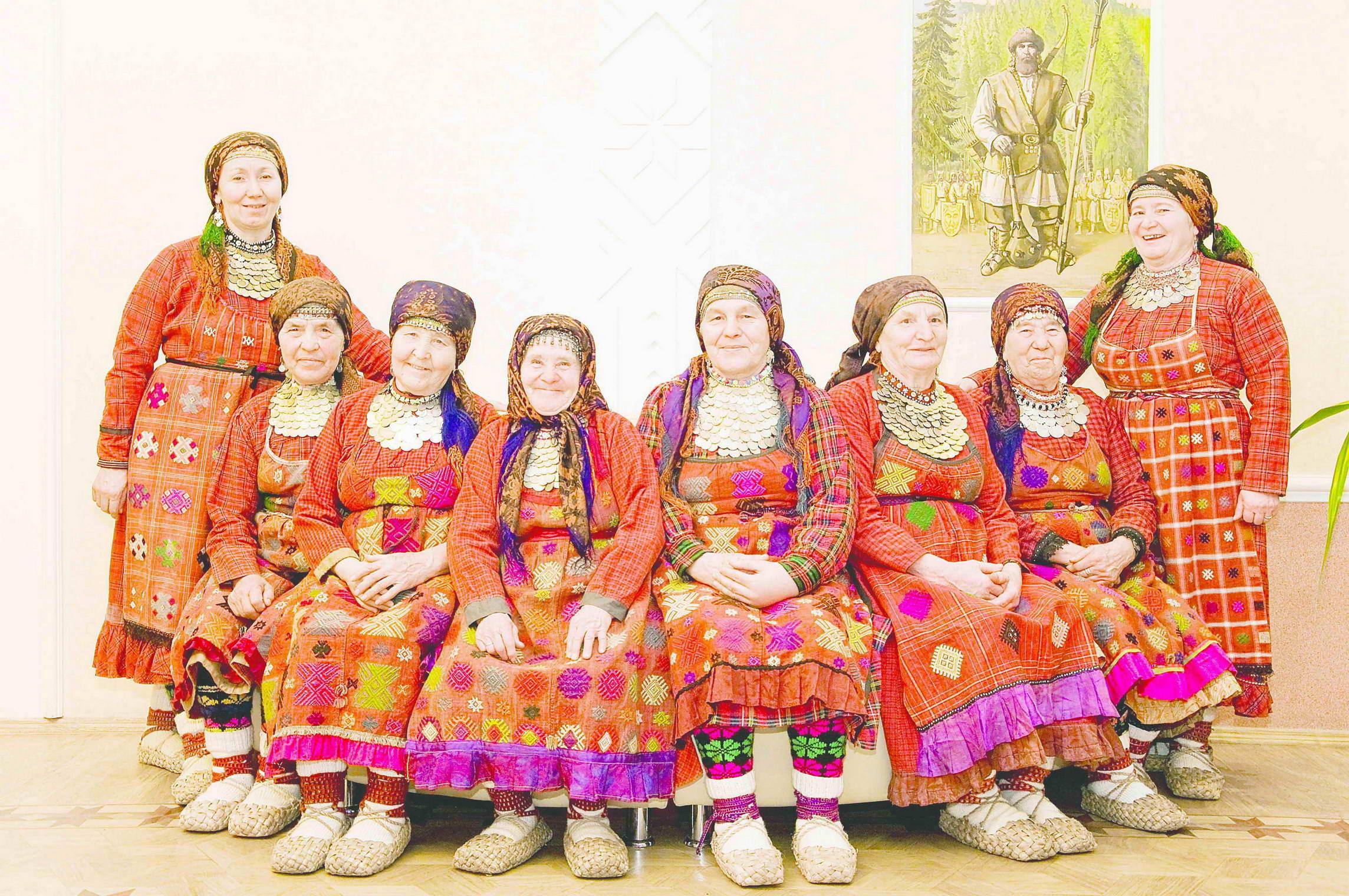 10 11 Babushki