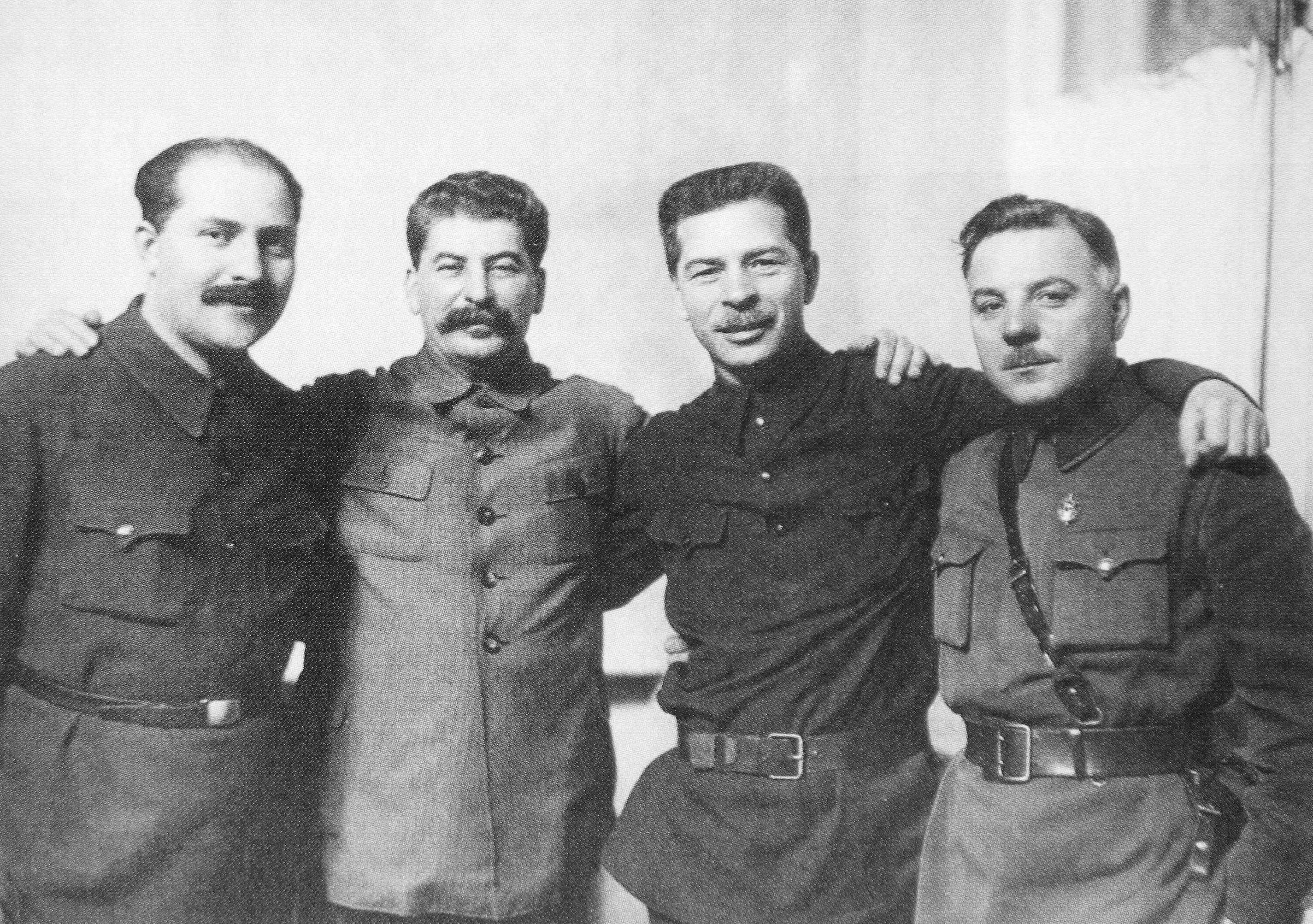 11 kaganovich stalin voroshilov