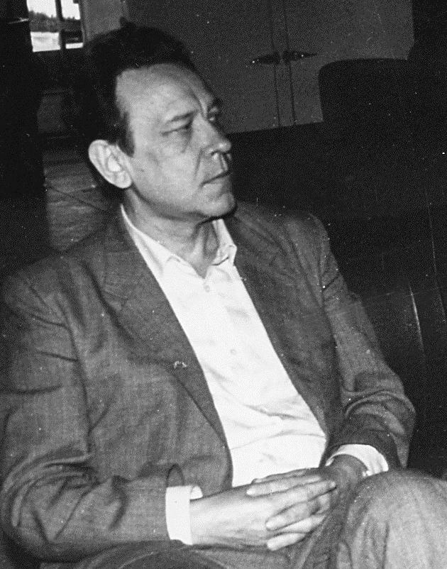 15 Yury Kuznetsov sidit