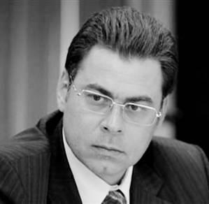 Заместитель мэра Москвы Александр ГОРБЕНКО  оградился от встреч с журналистами, чтобы не  травмировать себя правдой о произволе  в подведомственных ему конторах