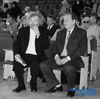 Ю.КУЗНЕЦОВ на юбилее  поэта И.ТЮЛЕНЕВА. Май 2003 г.