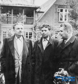 Леонид Леонов, Михаил Лобанов, Евгений Осетров. Май 1959 г. Фото В.Шагова
