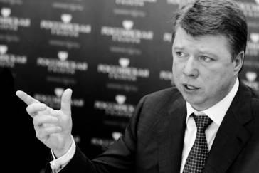 Руководитель столичного департамента СМИ  Владимир ЧЕРНИКОВ, видимо, даже не подозревает,  что у него под носом творится правовой беспредел