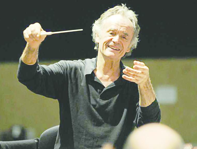 9 Jean Claude CasadesusK Safuanovu